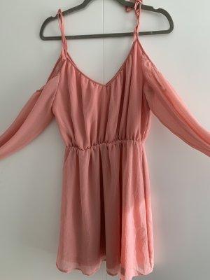 Kleid mit cut out