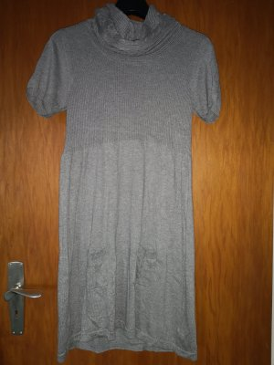 Kleid mit Eingriffstaschen
