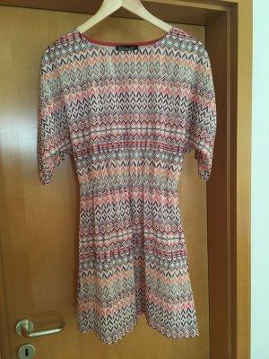 Kleid mit Ethnologie Print