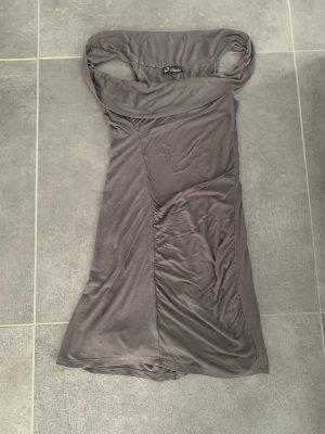 Kleid mit fall Falten