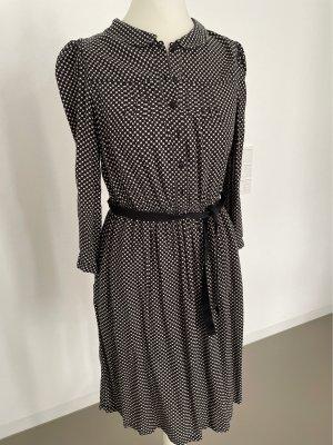 Kleid mit feinem Muster