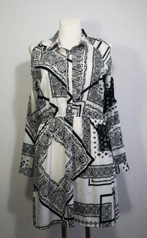 Kleid mit freien Schultern von Atmosphere
