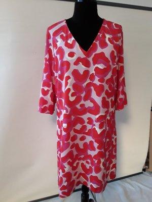 Kleid mit frischen Farben