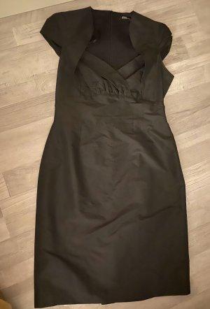 Kleid mit genialem Dekolleté , Gr 36, s. Oliver