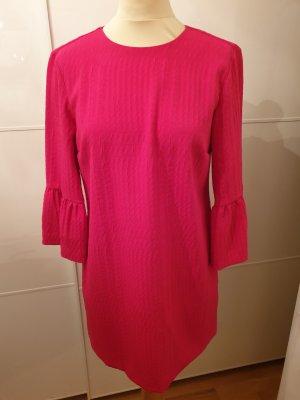 Kleid mit Glockenärmel von Zara