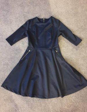 Kleid (Mit Glockenrock)/ Partykleid