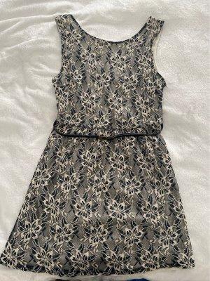 Kleid mit Gürtel Atmosphere Gr. 40