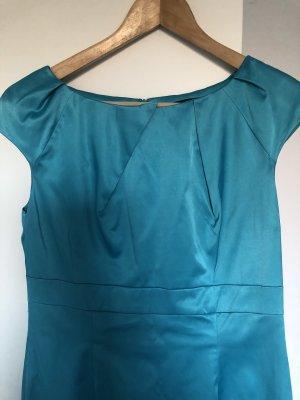 Kleid mit hübschen Auschnitt