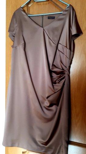 Kleid mit Jäcken