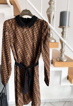 Kleid mit Katzenmuster— Hallhuber