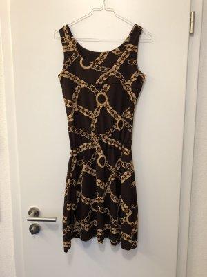 Kleid mit Kettenmuster