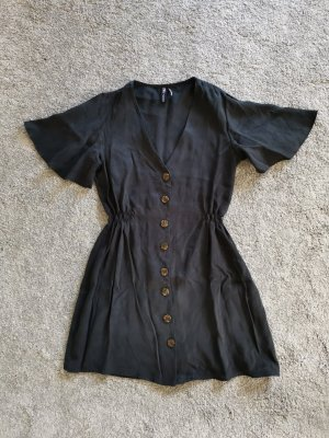 Kleid mit Knöpfen Zara