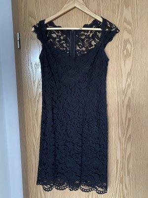 Kleid mit Komplett Spitze