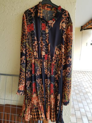 Kleid mit Kragen in bunt