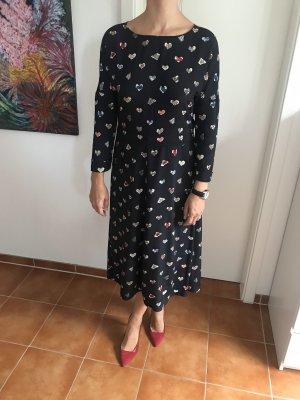 Kleid mit kreativen Herzen ♥️ Print