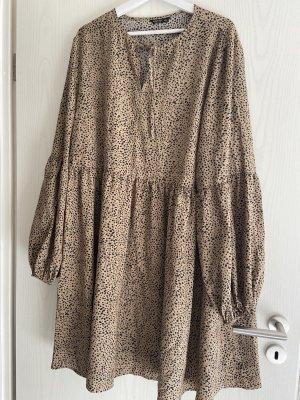 Kleid mit Leo Print