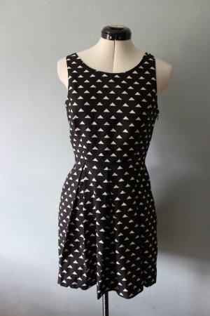 Forever 21 Sukienka z wycięciem czarny-w kolorze białej wełny