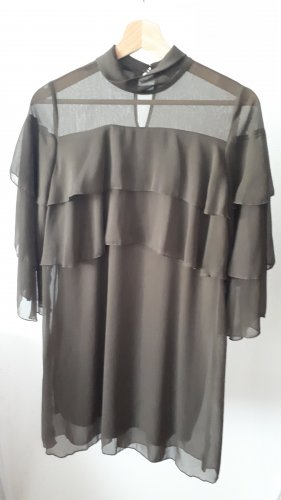 Kleid mit mehreren Lagen