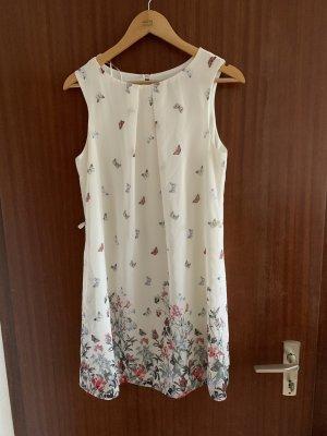 Kleid mit Muster und geflochtenem Gürtel
