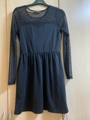 Kleid mit Netzdetails