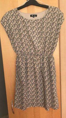 Kleid mit Noten-Muster