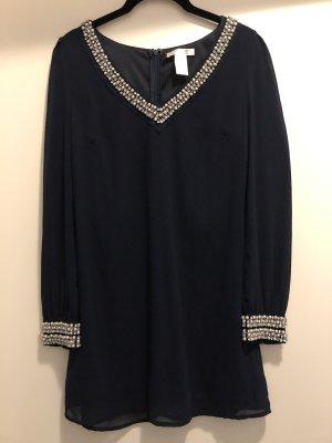 Kleid mit Perlen Gr. S