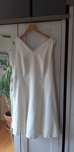 Kleid mit Petticoat