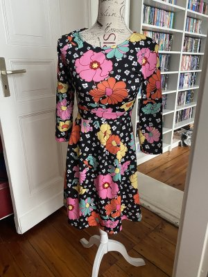 Kleid mit Print in Schwarz Geblümt wie Neu