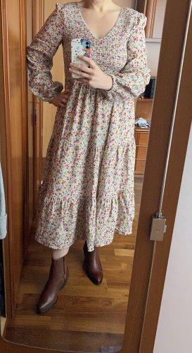 Kleid mit Puffärmeln in Country Style von Clockhouse