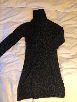 Kleid mit Rollkragen aus Cashmere, Leopardenmuster