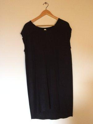 Kleid mit Rückenschlitz