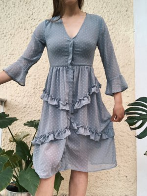 Kleid mit Rüschen von NA-KD Fashion Volants Gr. 34