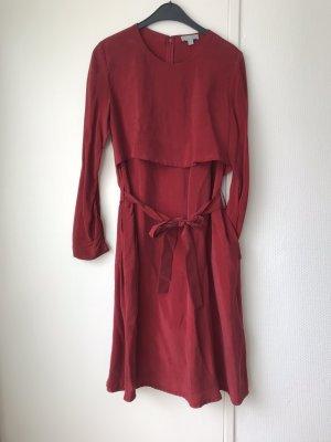 Kleid mit Schleife und Taschen