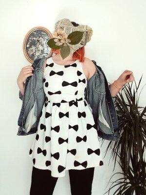Kleid mit Schleifenmuster