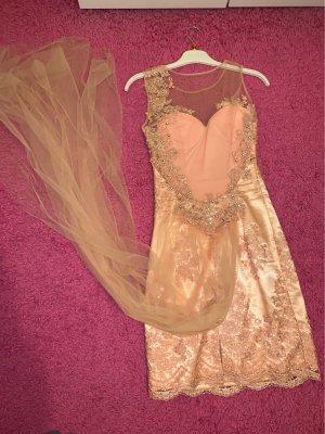 Kleid mit schleppe