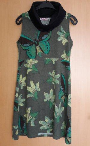 Kleid mit Schmetterlingen und Blumen