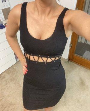 Kleid mit Schnüren