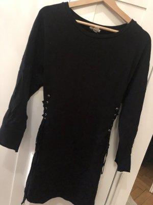 Kleid mit Schnürrung an den Seiten