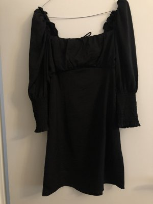 Kleid mit Schnürung hinten