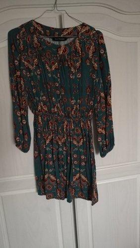Kleid mit schönem Muster