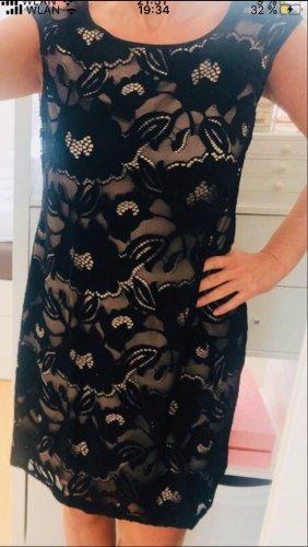 Kleid mit schwarzer Spitze
