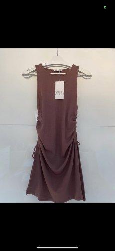 Zara Robe découpée brun rouge