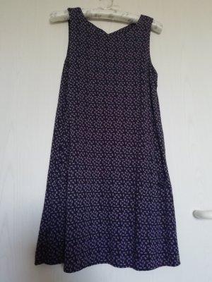 Kleid mit seitlichen Taschen