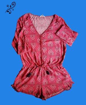Kleid mit Shorts
