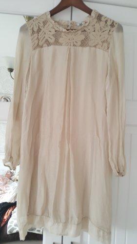 Kleid mit Spitze