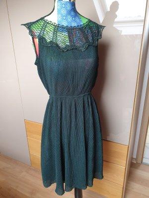 kleid mit spitze waldgrün