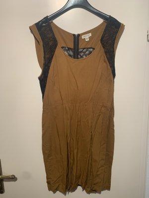 Kleid Mit Spitzenrücken Ocker M