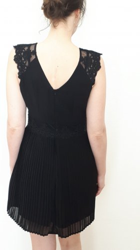 Apricot Shortsleeve Dress black