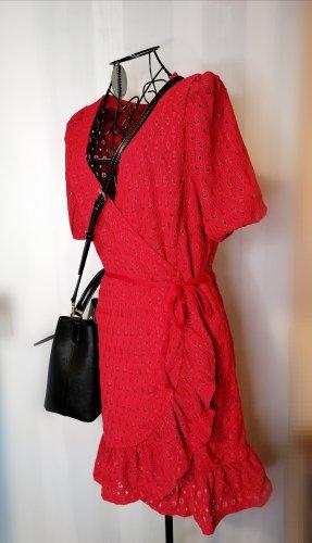 Kleid mit Stanzdetails
