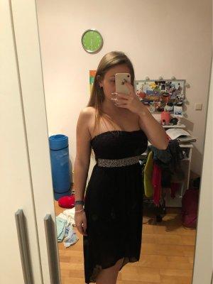 Kleid mit Steinchengürtel
